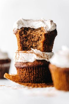 Chai Cupcakes (vegan + paleo) Healthy Cake Recipes, Delicious Vegan Recipes, Cupcake Recipes, Sweet Recipes, Dessert Recipes, Yummy Food, Vegan Cupcakes, Vegan Cake, Feasting On Fruit