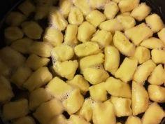 Gölődin leves   Gyöngyi 💇♀️ receptje - Cookpad receptek Black Eyed Peas, Soups, Kitchen, Food, Cooking, Kitchens, Essen, Soup, Meals