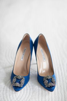 Glitzy glam bridal shoes, blue heels, formal wedding // Julie Mikos | Photographer