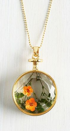 Pressed flowers necklace