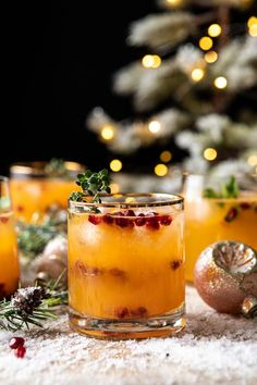 Christmas Drinks, Holiday Drinks, Party Drinks, Fun Drinks, Yummy Drinks, Holiday Recipes, Beverages, Christmas Holidays, Holiday Punch