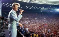 English singer David Bowie performing at the Live Aid concert at Wembley Stadium in London, July The concert raised funds for famine relief in Ethiopia. Get premium, high resolution news photos at Getty Images Angela Bowie, David Bowie, Melanie Griffith, Paul Simon, Annie Lennox, Susan Sarandon, Iggy Pop, Ziggy Stardust, Catherine Deneuve