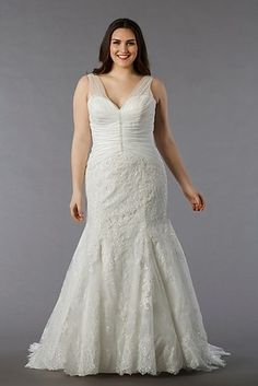 94901eb2f79 31 Jaw-Dropping Plus-Size Wedding Dresses