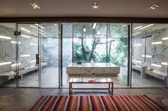 Un spa Nuxe à Bodrum http://www.vogue.fr/beaute/l-adresse-de-la-semaine/diaporama/spa-nuxe-hotel-macakizi-bodrum/19754/image/1039145#!3