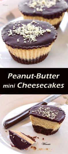 עוגות גבינה קטנות עם חמאת בוטנים ושוקולד - Peanut-Butter mini Cheesecakes, topped with Chocolate -משהו מתוק – הבלוג של וויני