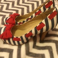 🎀MIA Shoes, Heels with Fabulous Style MIA striped heels with red bows, leather soles, NWOT, fit true to size MIA Shoes Heels