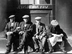 Photo of British workers taken during the 1930s by Photographer Edwin Smith