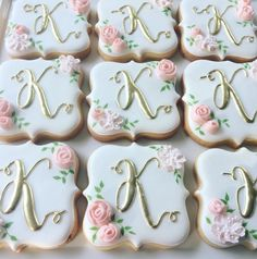 70 new Ideas baby shower cookies royal icing birthday parties Fancy Cookies, Iced Cookies, Royal Icing Cookies, Cookies Et Biscuits, Cupcake Cookies, Sugar Cookies, Vintage Cookies, Flower Cookies, Wedding Shower Cookies