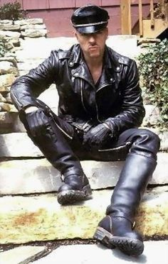 Leather Motorcycle Pants, Tight Leather Pants, Leather Cap, Motorcycle Boots, Leather Gloves, Black Leather, Big Black Boots, Tall Boots, Mens High Boots
