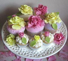 Homebaked Heaven: Wedding Cupcakes