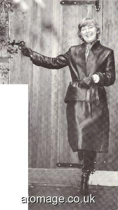 Helen Henley Atomage International Edition 2 Wet Weather, Vintage Leather, Statue, Sculptures, Sculpture
