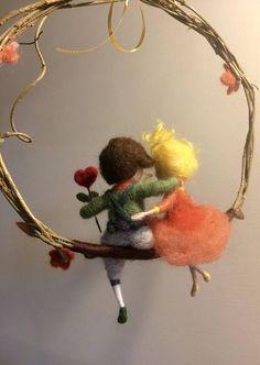 Needle felted dolls Waldorf inspired Wool Two friends on a Fuzzy Felt, Wool Felt, Diy Arts And Crafts, Felt Crafts, Wool Dolls, Fairy Crafts, Felt Mobile, Needle Felting Tutorials, Felt Fairy