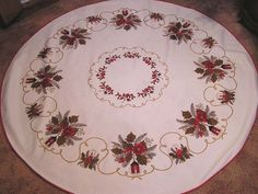 Vintage ROUND Tablecloth Christmas Holiday Candles Lanterns Holly Brwn Red Gold | eBay