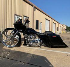 Bagger Motorcycle, Custom Baggers, Road Glide, Harley Davidson Bikes, Gliders, Buckets, Mobiles, Brain, Motorcycles