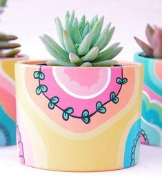 Pin on gardening Pin on gardening Painted Plant Pots, Painted Flower Pots, Pottery Painting Designs, Paint Designs, Pots D'argile, Keramik Design, Flower Pot Design, Decoration Plante, Art Diy