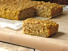 Banana Oat Breakfast Bars: healthy and delicious, full of whole grains, fruit AND a vegetable, refined sugar free, you can't beat this breakfast treat!