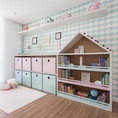 Nicho casinha para organizar brinquedos, livros e muito mais. Baby Bedroom, Baby Room Decor, Nursery Room, Girls Bedroom, Bedroom Decor, Creative Kids Rooms, Girl Bedroom Designs, Kids Room Design, Living Room Remodel