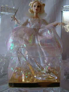 Cinderella Princess Party Ideas. Glass Slipper Favor Box from My Princess Party to Go. Shop Now: http://www.myprincesspartytogo.com/FavorsUnder5.html  #cinderellapartyideas #cinderellafavorideas
