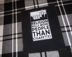Punk Patches Shirts Badges and everything in by ChaosCreationsSCO Punk Patches, Diy Patches, Pin And Patches, Vintage Glam, Punk Outfits, Cool Outfits, Custom Clothes, Diy Clothes, Atheist Beliefs