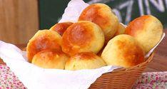 Pão de leite fofinho feito com 3 ingredientes Bread Recipes, Cake Recipes, Snack Recipes, Brazillian Food, Portuguese Recipes, Pretzel Bites, Quiche, Sweet Potato, Muffin