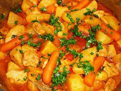 Reteta culinara Tocanita de legume cu carne de porc din categoria Porc. Specific Romania. Cum sa faci Tocanita de legume cu carne de porc Romanian Food, Thai Red Curry, Food And Drink, Cooking, Ethnic Recipes, Pork, Bulgur, Kitchen, Brewing