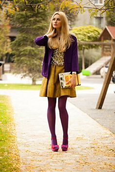 You could not have pulled off these complementary jewel tones together better. Fun fall style.