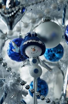 .Snowman Ornament