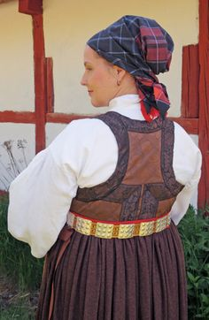 Magasinet Bunad : Skånegården på Skansen Folk Costume, Costumes, Traditional Dresses, Norway, Sweden, Scandinavian, Character Design, Women's Clothing, Dress Up