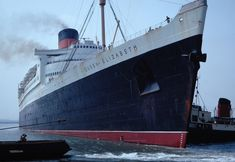 RMS Queen Elizabeth,Cunard  / 3 mars 1940 / 314 m x 36 m / 2283 passagers, 1000 équipage