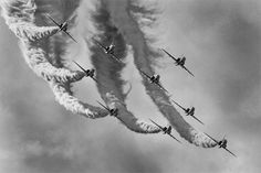 How to Photograph an Airshow - PictureCorrect