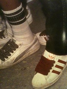 Old School Hip Hop sneakers Hip Hop Outfits, Hipster Outfits, Dance Outfits, Afro Punk, Hip Hop Fashion, Urban Fashion, 90s Fashion, Baskets Old School, Look Hip Hop