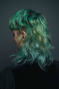 Cult Hair Izzy Reynolds - h a i r - Frisuren Mullet Hairstyle, My Hairstyle, Creative Hairstyles, Cool Hairstyles, Hair Inspo, Hair Inspiration, Hair Reference, Grunge Hair, Facon