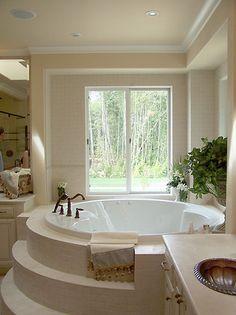 very nice soaking tub.