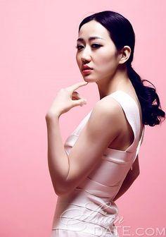 Convidamos você a navegar na nossa galeria de fotos: Pretty Asian woman Yueyuan (Tilia)