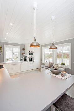 Nydelig kjøkken fra Zara Kitchen Island, Zara, Home Decor, Island Kitchen, Decoration Home, Room Decor, Home Interior Design, Home Decoration, Interior Design
