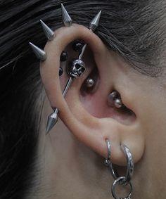 Opal Gemstone Ear cuff, No Piercing Ear Cuff, Opal Cartilage Earring, Ear Cuff Opal - Custom Jewelry Ideas Ear Jewelry, Cute Jewelry, Jewelery, Metal Style, Piercings Bonitos, Cool Ear Piercings, Monroe Piercings, Cartilage Piercings, Grunge Jewelry