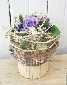 Букет фиолетового с желтого в интерьере розы