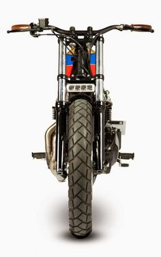 """Racing Cafè: Triumph Bonneville """"Silly Kid"""" by Maria Motorcycles"""