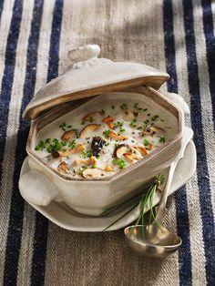 Topinamburcremesuppe mit Pilzen | Zeit: 20 Min. | http://eatsmarter.de/rezepte/topinamburcremesuppe-mit-pilzen