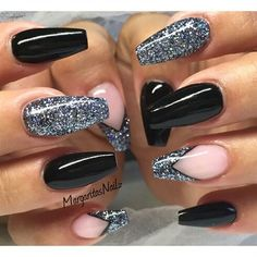 False nails have the advantage of offering a manicure worthy of the most advanced backstage and to hold longer than a simple nail polish. The problem is how to remove them without damaging your nails. Black Coffin Nails, Stiletto Nails, Black Acrylic Nails, Black Nail Art, Fabulous Nails, Gorgeous Nails, Fancy Nails, Trendy Nails, Acrylic Nail Designs