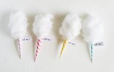 "DIY mini cotton ""candy"" invitations | Oh Happy Day! ❥"