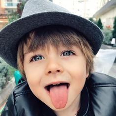 A imagem pode conter: 1 pessoa - Kreative ideen - Cute Little Baby, Little Babies, Baby Kids, Cute Kids Fashion, Little Boy Fashion, Beautiful Children, Beautiful Babies, Cute Babies Photography, Bitty Baby
