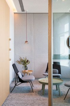 Perfect Mini Office Design Ideas For Your Home – Office lounge Workspace Design, Office Interior Design, Interior Exterior, Office Designs, Corporate Interiors, Office Interiors, Salas Lounge, Design Lounge, Mini Office