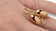 http://robbreport.com/style/jewelry/slideshow/2749498/louisa-guinness/