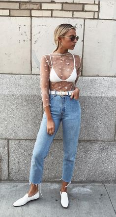 Cute top with star print and blue denim jeans. Fashion Killa, 90s Fashion, Fashion Looks, Fashion Outfits, Womens Fashion, Fashion Trends, Style Outfits, Summer Outfits, Cute Outfits