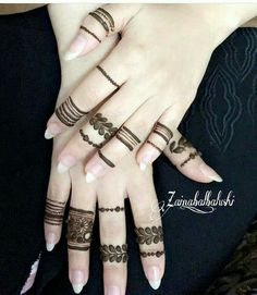 Here you guys get some fantastic idea about the unique mehndi styles for fingers. Henna Tattoo Designs Simple, Finger Henna Designs, Henna Art Designs, Mehndi Designs For Girls, Mehndi Designs For Beginners, Modern Mehndi Designs, Mehndi Design Photos, Mehndi Designs For Fingers, Latest Mehndi Designs