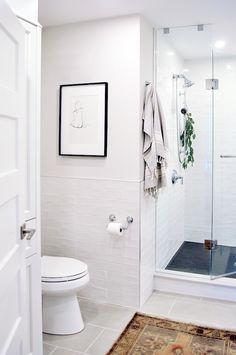Before & After: Classic Bathroom Renovation | lark & linen #bathroomreno #interiordesign #beforeandafter #bathroomdesign #washroom