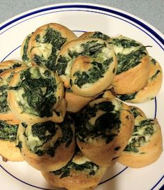 Spinach Pinwheel Appetizer- doing this for girls night in yummy!