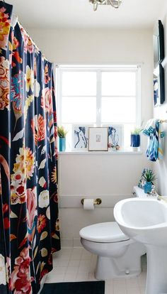 20 Reversible Ideas to Overhaul Your Rental Bathroom NOW | Apartment Therapy