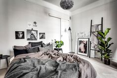A small & dreamy Scandinavian apartment with a glass wall (Daily Dream Decor) White Bedroom Decor, Small Room Bedroom, Home Bedroom, Bedroom Furniture, Master Bedroom, Gravity Home, Scandinavian Apartment, Contemporary Bedroom, Contemporary Kitchens